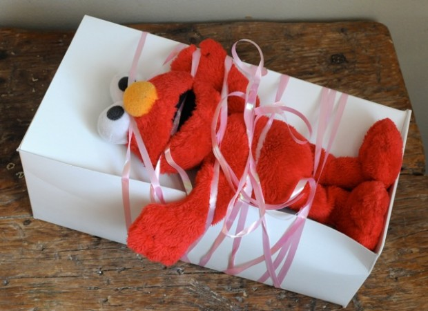elmo gift wrapping